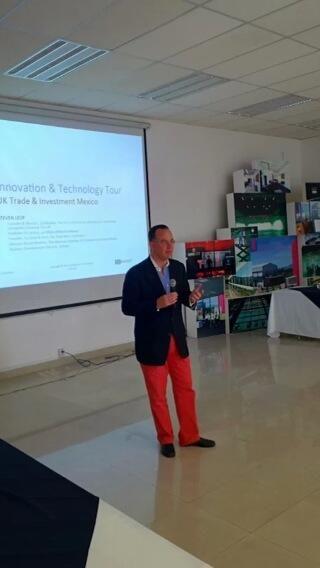 Steven Leof speaking at @UKTIMexico Innovation Tour in Guadalajara. Photo taken by Bob Schukai using Google Glass